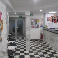 Maison Médicale Humilis : accueil et salle d'attente avant